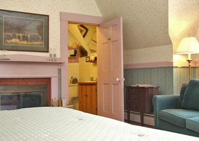 Bear Deluxe Room with Fireplace
