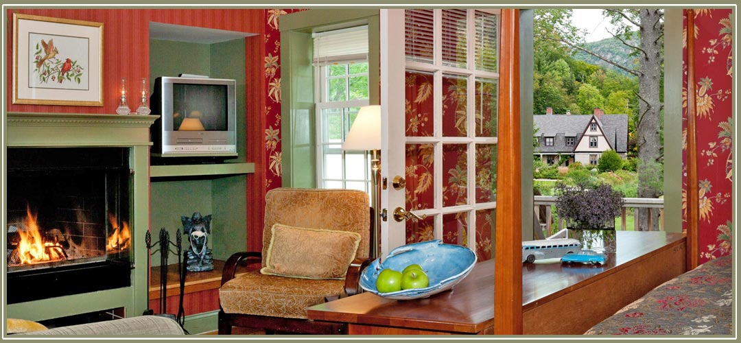 Willard Pet Friendly Cottage at Notchland Inn